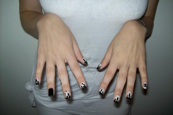 Chanel-Drip-Nails-2