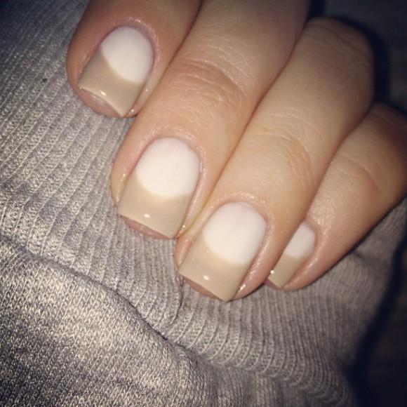 Khloe-Kardashian-Half-Moon-Style-Nails-580x580