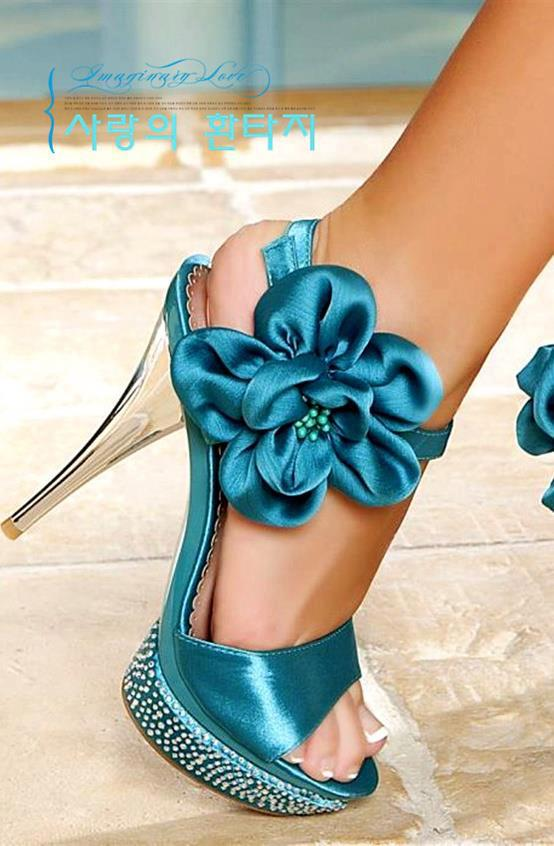 high-heel-beautiful-shoes-to-wear-on-weddings-functions-2013